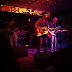 Photo taken at Tin Roof by Hé Ré A. on 6/5/2013