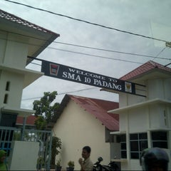 Photo taken at SMA Negeri 10 Padang by Adly H. on 12/3/2012