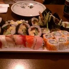 Photo taken at Itto Sushi by Sara B. on 12/9/2012