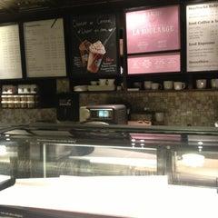 Foto tirada no(a) Starbucks por Diogo D. em 6/23/2013