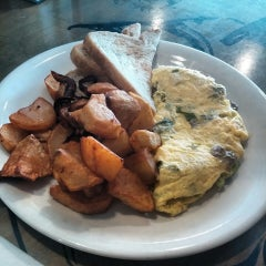 Photo taken at Hope & Anchor Diner by Ashley W. on 7/17/2014