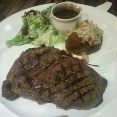 Photo taken at Laman Grill Steak & Bar-B-Que by Ahmad Y. on 11/30/2012