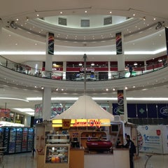 Photo taken at Jervis Shopping Centre by Vincent M. on 6/1/2013