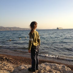 Photo taken at Northen Beach (החוף הצפוני) by Maoz S. on 1/22/2013