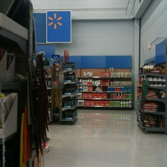 Photo taken at Walmart Supercenter by MikesJewelry T. on 12/18/2012