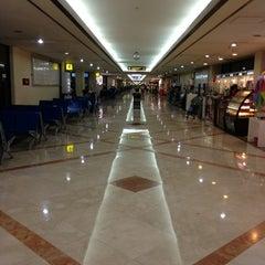 Photo taken at Juanda International Airport (SUB) by Herlambang E. on 7/20/2013