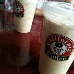 Photo taken at California Coffee by Júnior G. on 11/7/2012