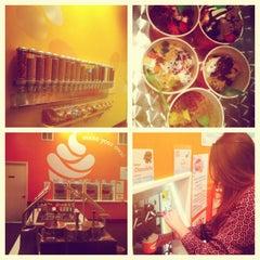 Photo taken at Myo Pure Frozen Yogurt by Sofia 🎀 B. on 9/15/2012