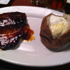 Photo taken at Ruby Tuesday by Anandaraj S. on 3/6/2013