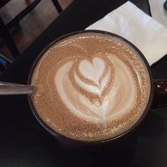 Photo taken at Rockn' Joe Coffeehouse & Bistro by cheryl w. on 11/14/2015