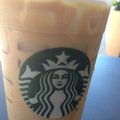 Photo taken at Starbucks by Arturo P. on 6/28/2013