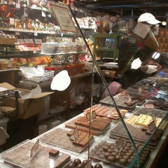 Photo taken at Jacques Torres Chocolate by Chachy S. on 3/14/2013