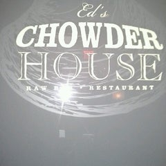Photo taken at Ed's Chowder House by Ivonne V. on 3/29/2013