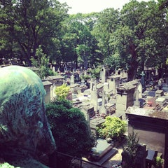 Photo taken at Cimetière de Montmartre by Fredfades J. on 7/10/2013
