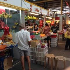 Photo taken at Bukit Merah View Market & Food Centre by Sarun P. on 9/1/2013