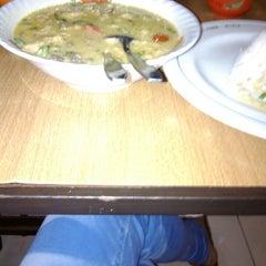 Photo taken at Restaurant Sunda Kelapa by Ira D. on 10/9/2014