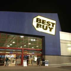 Photo taken at Best Buy by Catherine M. on 1/24/2013