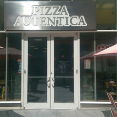 Photo taken at Pizza Autentica by Gregg on 8/12/2015