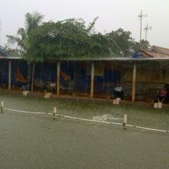 Photo taken at Fellih Fishing Corner by Yan F. on 11/11/2012