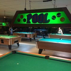 Photo taken at Big Shooters Bar & Grill by Rich H. on 9/5/2014