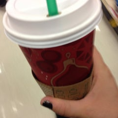 Photo taken at Starbucks by Heathyre P. on 12/17/2013