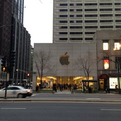 Photo taken at Apple Store, North Michigan Avenue by Alexander O. on 4/28/2013