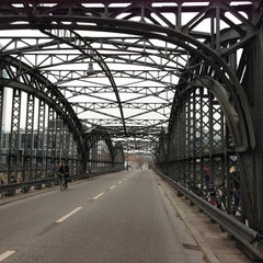 Photo taken at S Hackerbrücke by werner s. on 4/21/2013