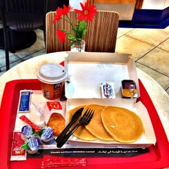 Photo taken at McDonald's - ماكدونالدز by Cindy A. on 3/25/2013