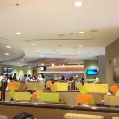 Photo taken at American Airlines Admirals Club by Bustamante P. on 9/30/2012
