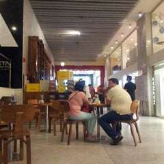 Photo taken at Havanna Café by Mariangel C. on 8/11/2013