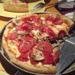 Photo taken at Uno Pizzeria & Grill - Boston by John W. on 3/25/2013