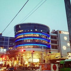 Photo taken at 아이파크몰 (I'Park Mall) by Suaa L. on 11/22/2012