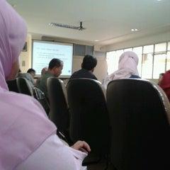 Photo taken at Kantor BB - BIOGEN by Dika Migi P. on 9/19/2012