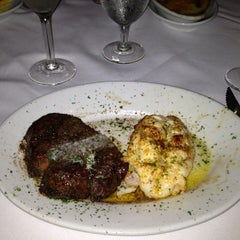 Photo taken at Ruth's Chris Steak House by Ralph S. on 11/24/2012