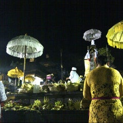 Photo taken at Pura Luhur Candi Narmada Tanah Kilap by Dewa e. on 6/12/2014