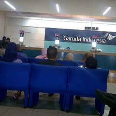 Photo taken at Garuda Indonesia Sales & Ticketing Office by fitri m. on 7/9/2013