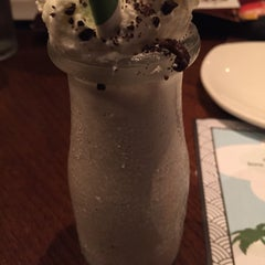 Photo taken at Outback Steakhouse by Malek J. on 8/14/2015