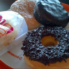 Photo taken at Dunkin' Donuts by Freidha Tamitha L. on 7/13/2015