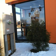 Photo taken at Dunkin Donuts by Missy L. on 2/26/2013