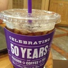 Photo taken at The Coffee Bean & Tea Leaf by Jihyoun J. on 9/17/2013