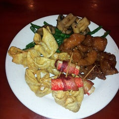 Photo taken at King Chinese Buffet by Tashonda M. on 10/31/2013