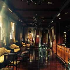 Photo taken at Evergreen Laurel Hotel by Perapat C. on 9/15/2014