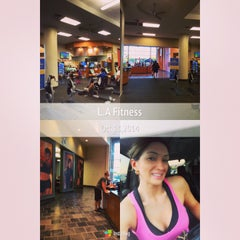 Photo taken at LA Fitness by Adri L. on 10/14/2014