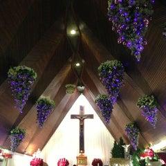 Photo taken at Gereja Katolik Santo Yohanes Penginjil by Miumama ʚ♥⃛ɞ on 12/24/2012