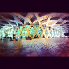 Photo taken at Aéroport de Marrakech Ménara | مطار مراكش المنارة‎  (RAK) by Yusef F. on 9/19/2012