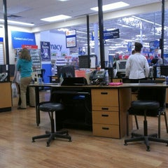 Photo taken at Walmart Supercenter by Jerry F. on 4/16/2013