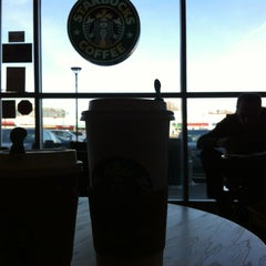 Photo taken at Starbucks by Len ❤. on 1/2/2013