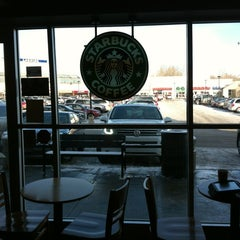 Photo taken at Starbucks by Len ❤. on 12/13/2012