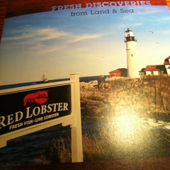 Photo taken at Red Lobster by Nia L. on 5/27/2013