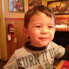 Photo taken at Red Robin Gourmet Burgers by Michelle R. on 1/23/2013